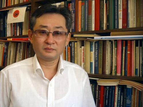 Dr. Valeriy Sergeevich Khan
