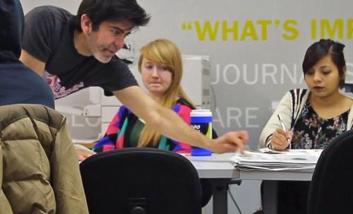 Leturia teaching Visual Journalism at Columbia College Chicago