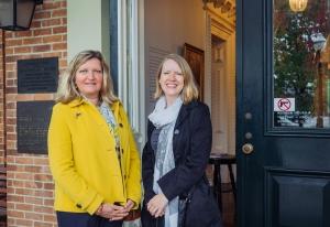 Fulbright Association Chicago-Chapter President Mary Mares-Awe and bard member Kari Burnett