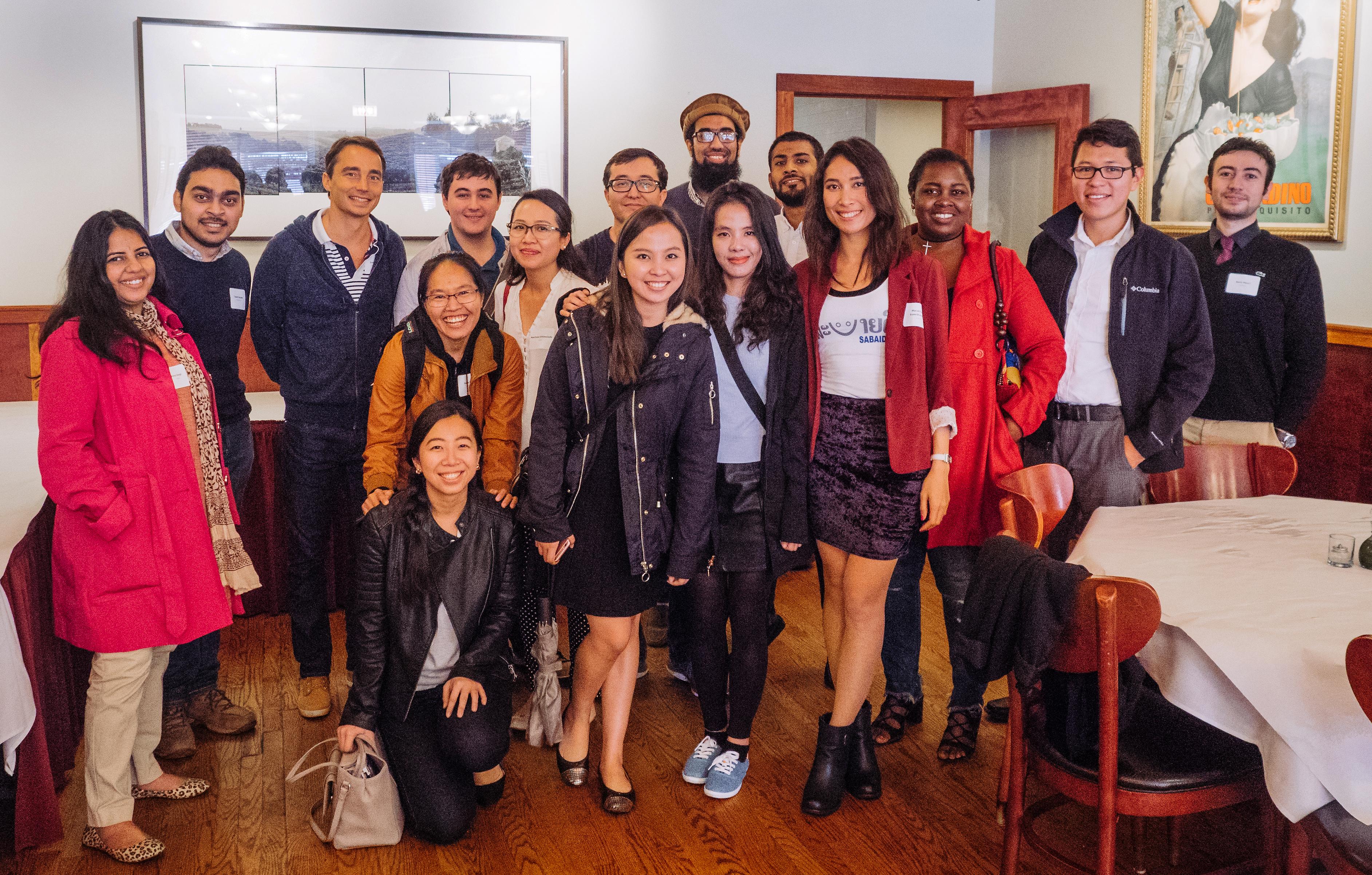 Group photo showing the international Fulbright spirit!