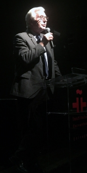 Instituto Cervantes of Chicago Executive Director Antonio Martínez welcomed the audience.